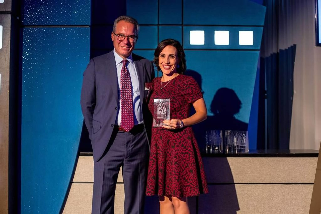 3E_public_relations_EVP_receives_40_under_40_award